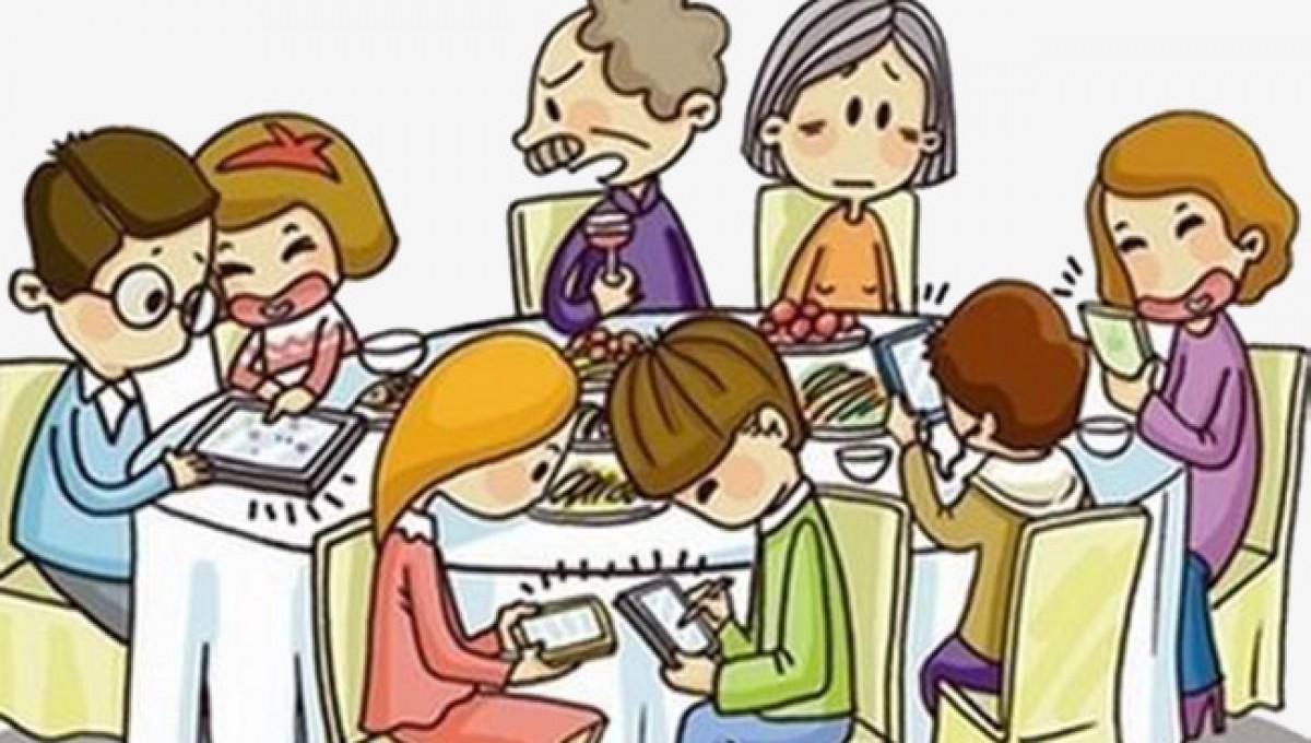 Μαμά, μπαμπάς, παιδιά και smartphones: Κάτι περισσεύει στη σχέση